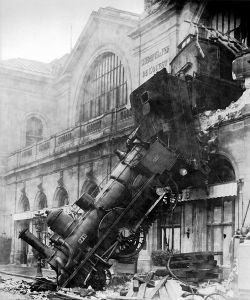 accident-gare-montparnasse-1895_1216098094