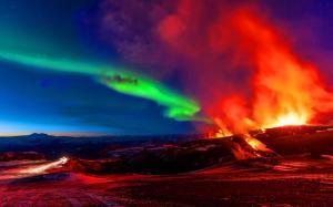 aurora_borealis_over_volcanic_lava_flow-1504491 b